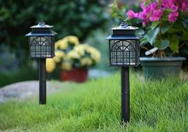 5 best outdoor lights in 2018 top rated landscape garden and wall lights reviewed