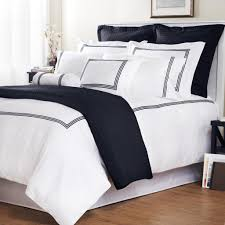 tie the look of your bedroom together with this king sized duvet cover set in