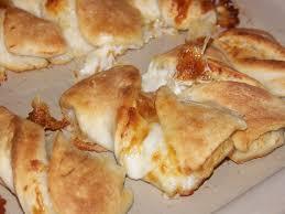 twisted garlic cheese bread
