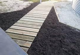 diy garden paths and backyard walkway