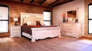 Chalet White Padded Queen Bedroom Set