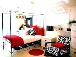 red and white bedroom – the bedroom