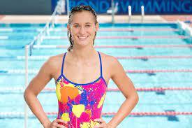 BondUni swimmer Maddie Groves competing ...