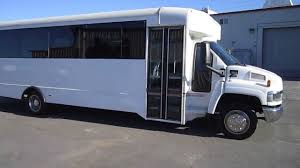Used Shuttle Bus - 2003 Chevy C5500 For 29 Passengers With Large ...