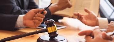 Les étudiants de droit en L2 abordent le droit des obligations