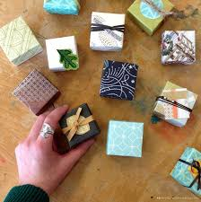 Learn To Make Tiny Gift Boxes Out Of Last Years Greeting