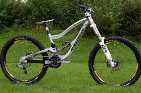this is nuke proof s entry into the peive dh bike and although i