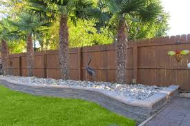 Best Driveway Landscaping Ideas With Fence