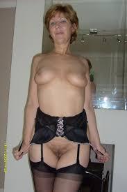 Amateur granny sara upskirt