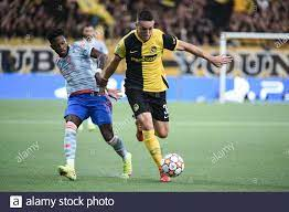 14.09.2021, Bern, Wankdorf, CL: BSC Young Boys - Manchester United, # 36  Silvan Hefti (Young Boys) gegen # 17 Fred (Manchester United) (Foto: Manuel  Winterberger/Just Picors/Sipa USA Stockfotografie - Alamy