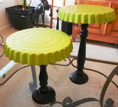 Painting Display Stands Make dessert stands using dollar store tart pans and candle sticks 89