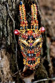 hanna bernhard jewelry paris contemporary horned pin i haven t seen anything by her yet but s or cmas trees