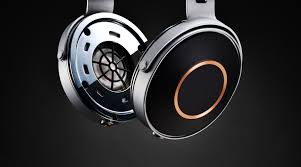 pioneer over ear headphones. the japanese company unveiled its se-monitor5 over-ear headphones overnight, instead of plastic t5heir sound engineers have moved to use a super-rigid pioneer over ear