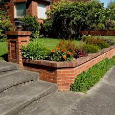 retaining wall for a brick house