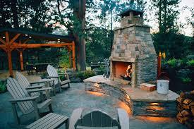 deschutes river overlook outdoor fireplace in bend oregon