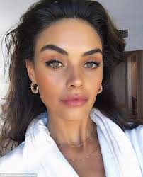 forget fillers this makeup artist believes you can give yourself an instant face lift by