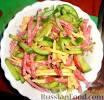 Салат деревенский с колбасой рецепт с
