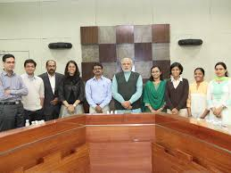 shri narendra modi meets cm fellowship programme fellows plans  shri narendra modi meets cm fellowship programme fellows plans national essay competition on gujarat development