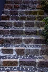 Die anfallenden kosten für die treppe hängen von vielen. Aussentreppe Pflastern Einfach In 4 Schritten
