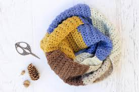 Caron Cakes Patterns Delectable Piece Of Cake Cowl With Caron Cakes Yarn Free Crochet Pattern