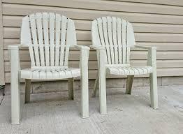 plastic lawn chairs paint