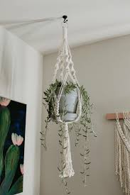 ideas on how to make a macrame plant hanger