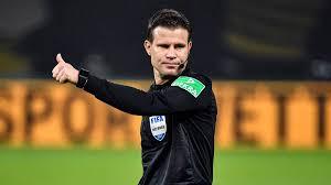 Man muss also kein großer wett experte sein, um hier die. Erster Em Einsatz Fix Deutscher Top Schiedsrichter Felix Brych Leitet Niederlande Spiel Sportbuzzer De