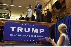 Ascenseur en or checkpoints et Gremlins. Bienvenue la Trump.