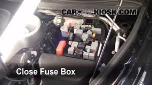 replace a fuse 2006 2011 chevrolet hhr 2007 chevrolet hhr lt 6 replace cover secure the cover and test component