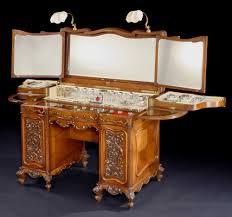 George Betjemann & Sons - An Antique Ladies Dressing Table by Betjemann