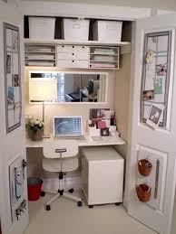 office in a closet. Source : Pinterest Office In A Closet