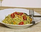 angel hair pasta with pesto and tomatoes