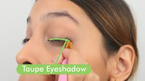 lining your upper lid 1 apply taupe eye shadow