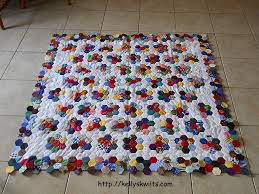 June 2012 – Kelly's Kwilts & I did it! I finished my hexagon quilt ... Adamdwight.com