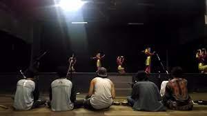 Musik modern dikenal dengan sebutan musik kreasi baru. Tari Piring Dari Sumatera Dengan Iringan Musik Kreasi Baru Tebe Sun Youtube