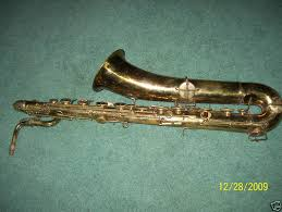 york saxophone. has on their website: http://www.vintagesax.com/soprano.html as well altos, tenors, and c-mels. anyone seen a non-stencil york straight sop? saxophone