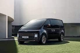 Hyundai Staria (2021): Ins Nutzfahrzeug passen drei Europaletten - AUTO BILD