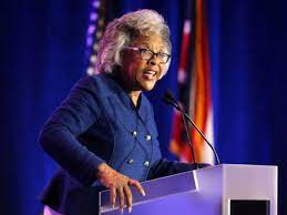 Rep. Joyce Beatty Arrested by USCP, Led ...