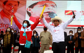 Fernando del Rincón confronta a la candidata a la vicepresidencia de Perú  Libre, Dina Boluarte - CNN Video
