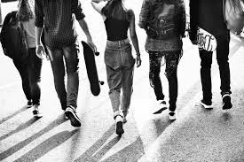 Le streetwear est en pleine révolution ! - Marche de La Mode Vintage
