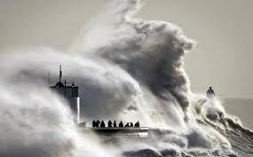 Hasil gambar untuk ombak laut timur