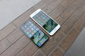 All Three Iphones Coming This Fall Will Reportedly Have Edge To Edge