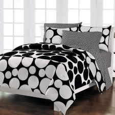 Black and White Bedding Stylid Homes