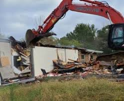 Tips To Choose the Right Demolition Contractor - RJ Smith Demolition