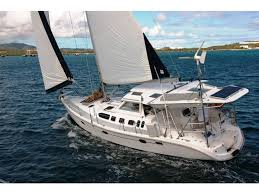 17 best ideas about hunter yachts nightclub design 2001 hunter marine 460 look at the hard dodger bimini and solar panel