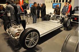 tesla electric car motor. Tesla Model S Lithium-ion Battery Pack In Rolling Chassis [photo: Martin Gillet Electric Car Motor