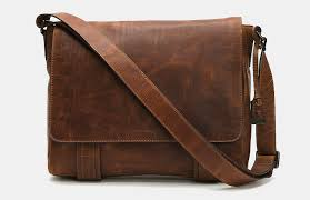 frye men s logan messenger bag