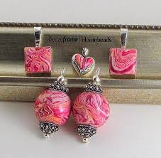 turn your memorial flowers in to jewelry how can i turn my memorial flowers into jewelry