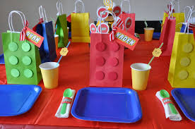 Fiesta Table Decorations Diy Table Decoration For A Lego Party Oh My Fiesta For Geeks