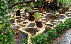 Small Rock-Stone Garden. Garden decorating ideas